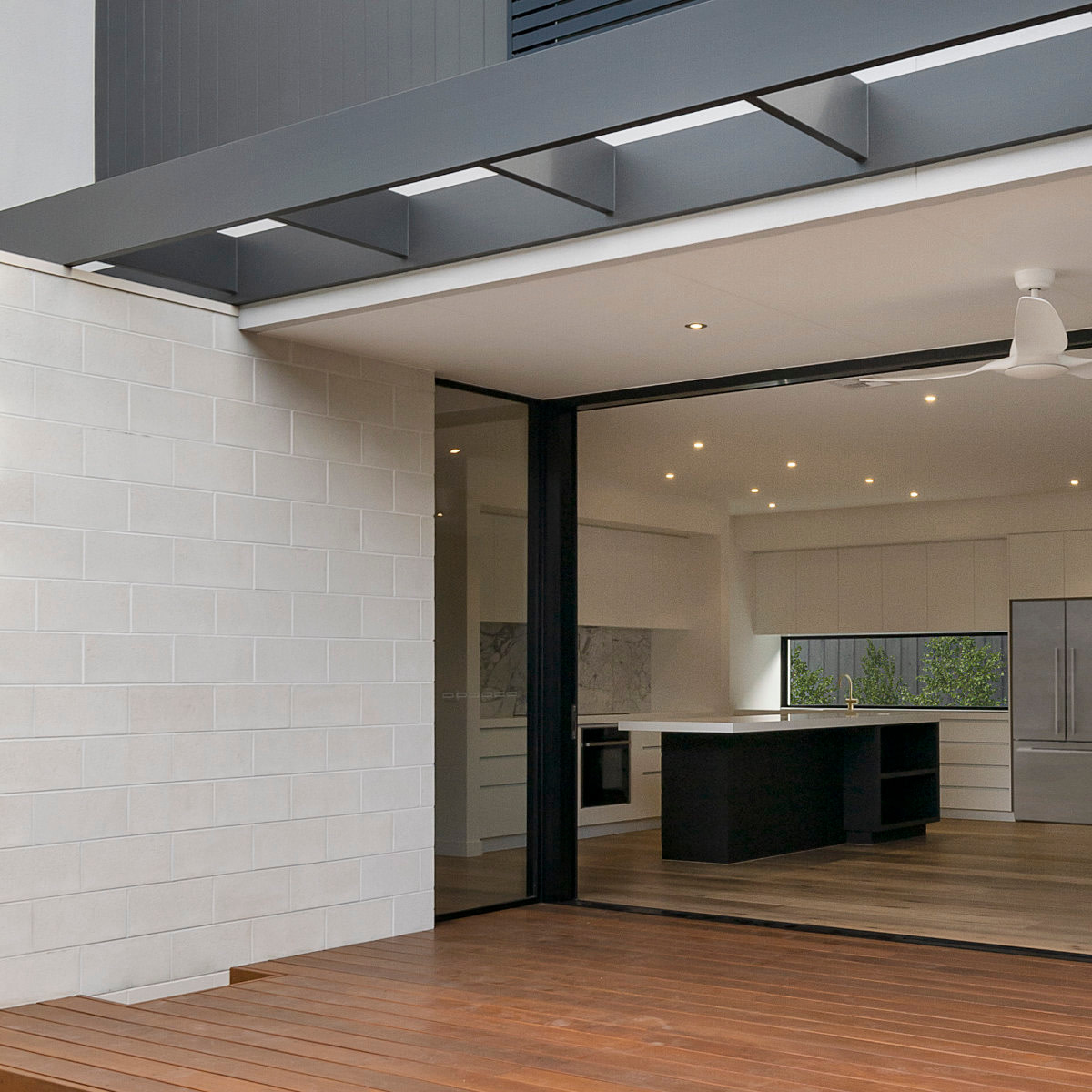 modern-house-exterior-H9H54VC-2.jpg